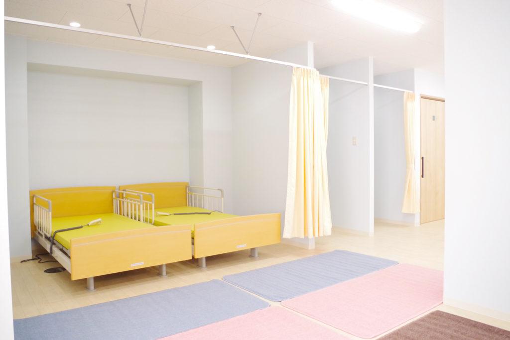 2床のベッド